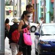 Pour préparer le défilé Victoria's Secret, Adriana Lima s'entraîne dur dans les rues de Miami. Octobre 2011