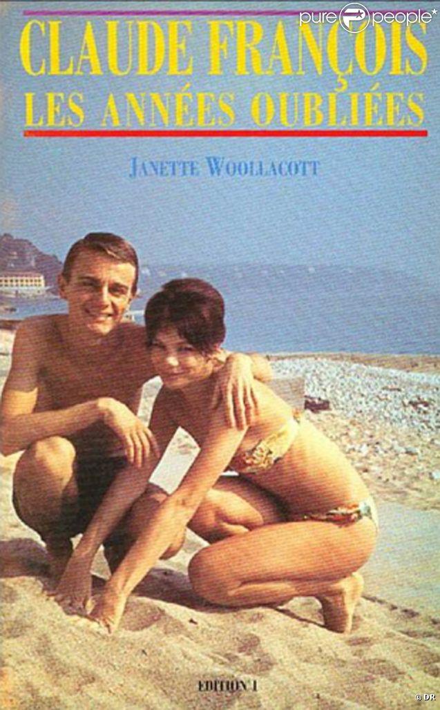 Janet Woollacott, qui fut l'unique épouse de Claude François, avait raconté ses souvenirs de Cloclo avant qu'il soit Cloclo dans un ouvrage paru en 1968,  Les années oubliées . Elle est décédée en novembre 2011.