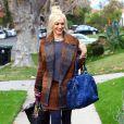 Gwen Stefani, habillée en L.A.M.B et Vivienne Westwood, se rend chez ses parents pour Thanksgiving. Los Angeles, le 24 novembre 2011.