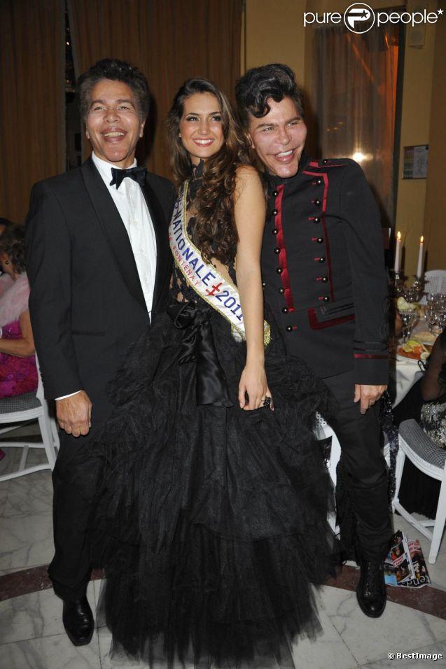 Igor et Grichka Bogdanoff et Barbara Morel la Miss Nationale 2011 lors de la 35ème édition des Best Awards à Paris le 11 décembre 2011