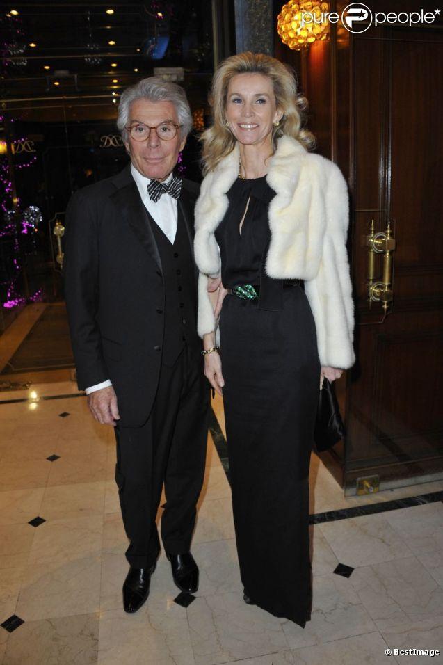 jean daniel lorieux et sa femme lors de la 35 me dition des best awards paris le 11 d cembre 2011. Black Bedroom Furniture Sets. Home Design Ideas