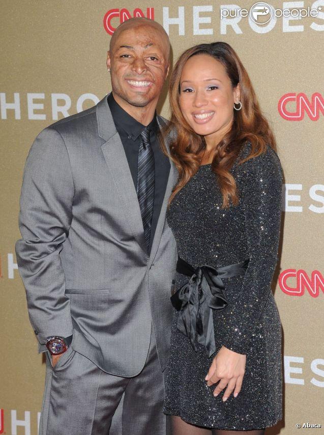 J.R. Martinez et sa compagne Diana, en décembre 2011, à Los Angeles.