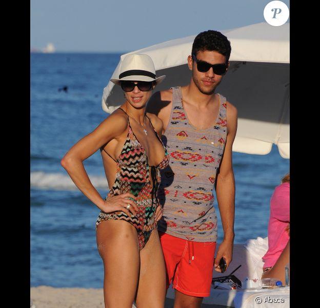 Lilly Kerssenberg et Noak Becker, fils de Boris sur la plage de Miami le 26 décembre 2011