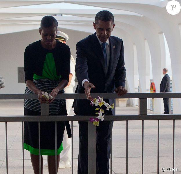 Barack Obama en visite à Pearl Harbour avec son épouse Michelle Obama le 29 décembre 2011