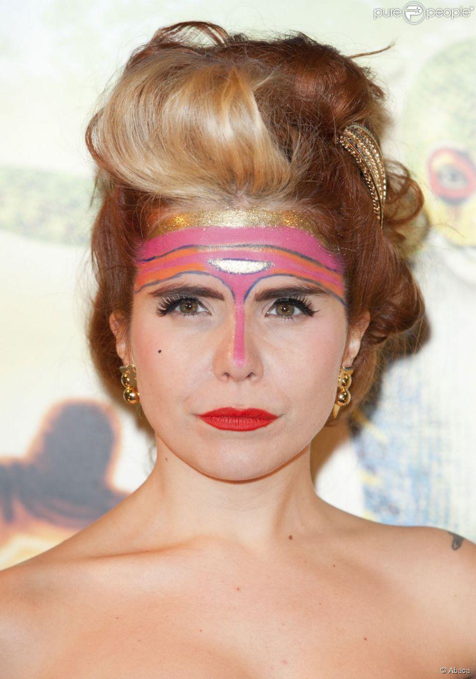 Assez Paloma Faith et son maquillage très inspiré du Cirque du Soleil à  UV32