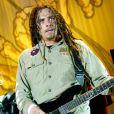 James Shaffer (photo : en 2004), alias Munky, guitariste du groupe Korn, a épousé sa compagne Evis Xheneti, de dix ans sa cadette, le 2 janvier 2012.