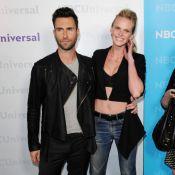 Adam Levine se pavane avec sa chérie quand Christina Aguilera fait un flop