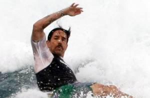 Anthony Kiedis blessé : une hospitalisation et une tournée annulée