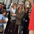 Laura Dern, Ben Harper et leurs enfants à Los Angeles, le 16 décembre 2009.
