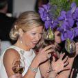 Chaude ambiance autour de la table de la princesse... Maxima des Pays-Bas honorait le 23 janvier 2012 le dîner de gala marquant le 50e anniversaire de la Chambre de commerce américaine aux Pays-Bas, à l'Hôtel de Ville de La Haye.