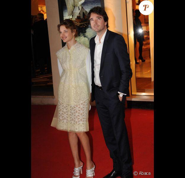 """Natalia Vodianova et Antoine Arnault lors de l'inauguration de la """"Maison Rome Étoile"""", nouvelle boutique Louis Vuitton à Rome, le 27 janvier 2012"""