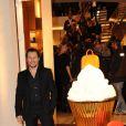 """Stefano Accorsi lors de l'inauguration de la """"Maison Rome Étoile"""", nouvelle boutique Louis Vuitton à Rome, le 27 janvier 2012"""
