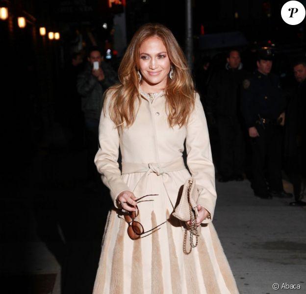 Jennifer Lopez à l'entrée du Ed Sullivan Theater à New York, le 30 janvier 2012.