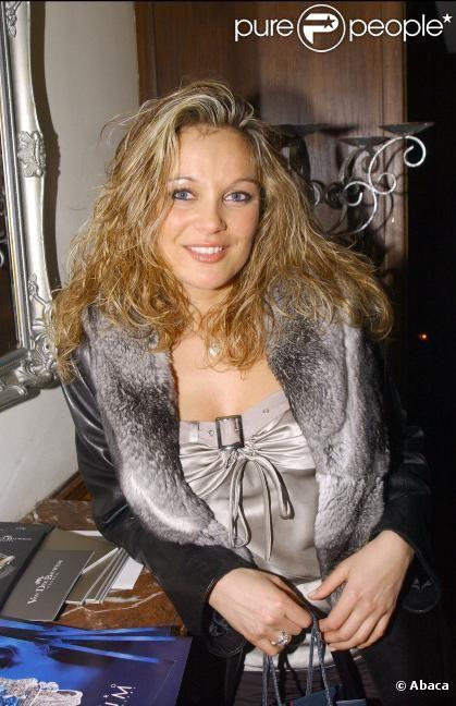 Laure Sinclair le 6 mai 2004 à Paris
