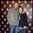 Denis Brogniart et sa femme Hortense lors de la soirée TV Magazine fête ses 25 ans, au Plaza Athénée, le 8 février 2012.