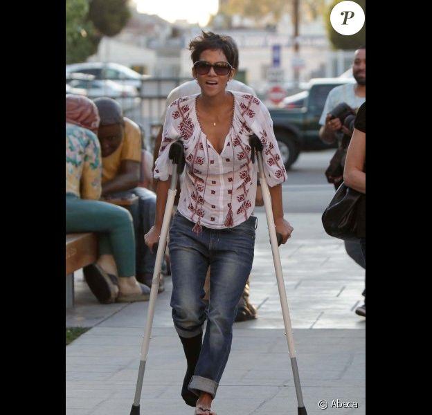 Halle Berry, blessée, dans les rues de Los Angeles, le 9 février 2012