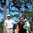 Fergie et son homme Josh Duhamel sur le terrain de golf, à Los Angeles, le 8 février 2012