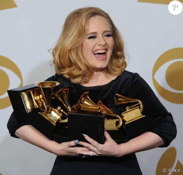 La 54e cérémonie des Grammy Awards a notamment consacré, le 12 février 2012 à Los Angeles, la chanteuse britannique Adele.