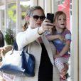 Jennifer Garner, enceinte, et Seraphina, à Los Angeles, le 11 février 2012