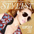 Kylie Minogue en robe Stella McCartney et lunettes Linda Farrow pour le magazine  Stylist .