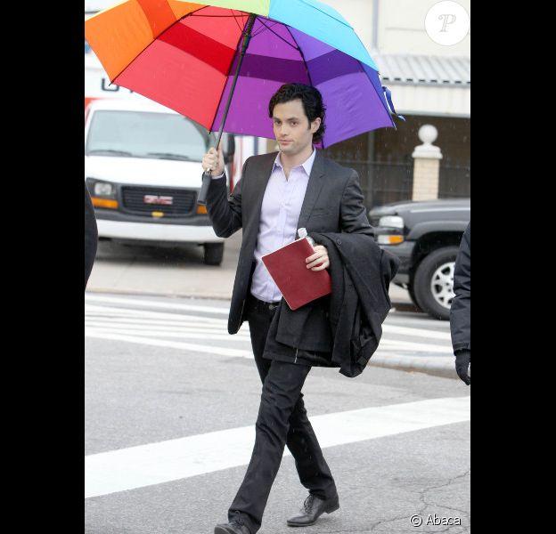 Penn Badgley sur le tournage de la série Gossip Girl à New York, le 16 février 2012