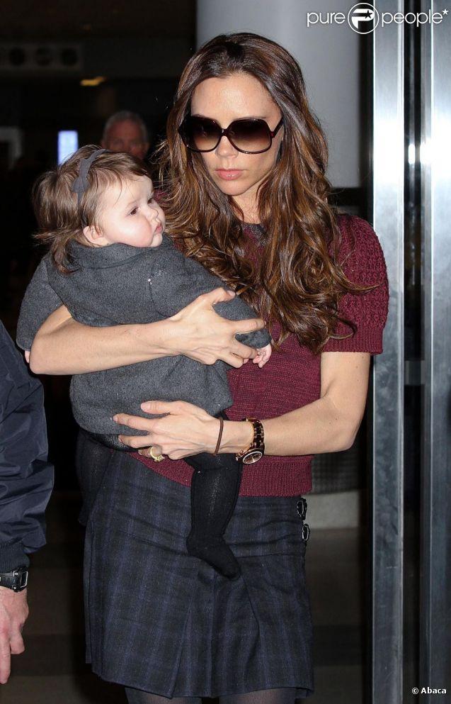 Victoria Beckham et son adorable fille Harper, coupable de son manque de sommeil. New York, le 7 février 2012.