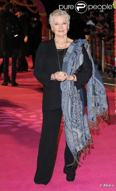 Judi Dench lors de l'avant-première du film Indian Palace à Londres le 7 février 2012