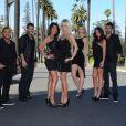 Kamel, Kévin, Ayem, Caroline, Chloé, Sandra et Nicolas dans Hollywood Girls (scripted reality de NRJ 12)