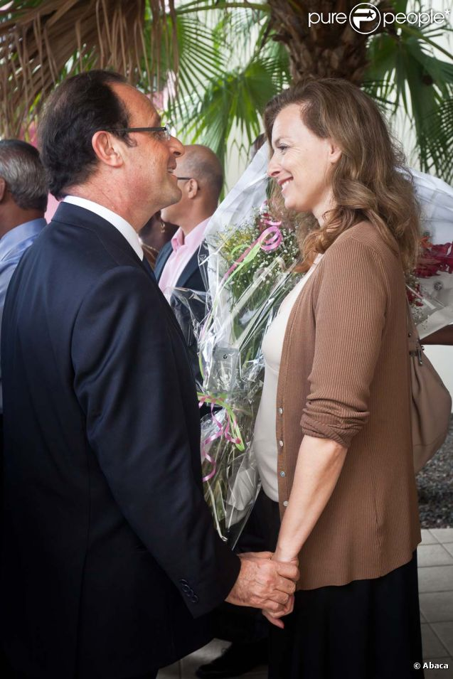 Valérie Trierweiler et François Hollande à Cayenne, le 16 janvier 2012.