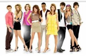 Beverly Hills : 90210 promet d'être rock' n' roll...