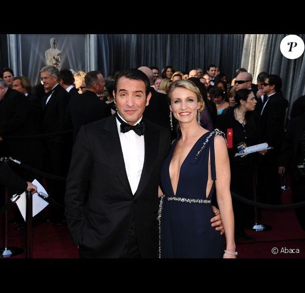 Jean Dujardin et Alexandra Lamy arrivent aux Oscars, le 26 février 2012 à Los Angeles, quelques heures avant son prix du meilleur acteur.
