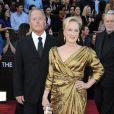 Meryl Streep et son mari arrivent aux Oscars, le 26 février 2012 à Los Angeles, quelques heures avant son prix de la meilleure actrice.