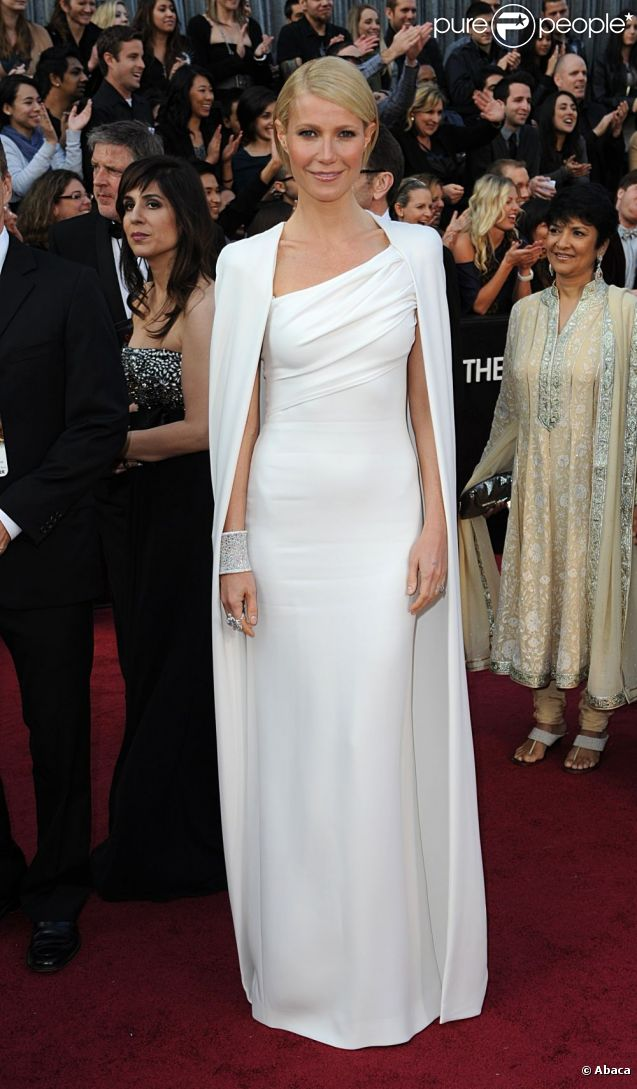 oscars 2012 gwyneth angelina b r nice les plus belles robes sont l purepeople. Black Bedroom Furniture Sets. Home Design Ideas