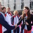 Kate Middleton rencontre les équipes olympiques de cricket à Stratford, le 15 mars 2012.