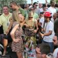 Paris Hilton fait la fête avec sa soeur à Miami le 21 mars 2012