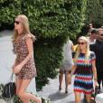 Paris Hilton et sa soeur Nicky à Miami le 21 mars 2012