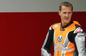 PHOTOS : Michael Schumacher, il se prend pour Batman ?