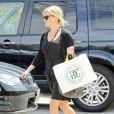 Reese Witherspoon dans les rues de Los Angeles le 28 mars 2012