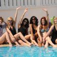 Christine Donlon, Madison Dylan, Catherine Annett, Shani Pride, Tiffany Brouwer et Nikki Griffin lors du photocall pour la série Femmes Fatales durant le MIP TV 2012 à l'Hôtel Majestic à Cannes le 1er avril 2012