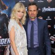 Mark Ruffalo et sa femme Sunrise Coigney à l'avant-première d 'Avengers , à Los Angeles le 11 avril 2012.