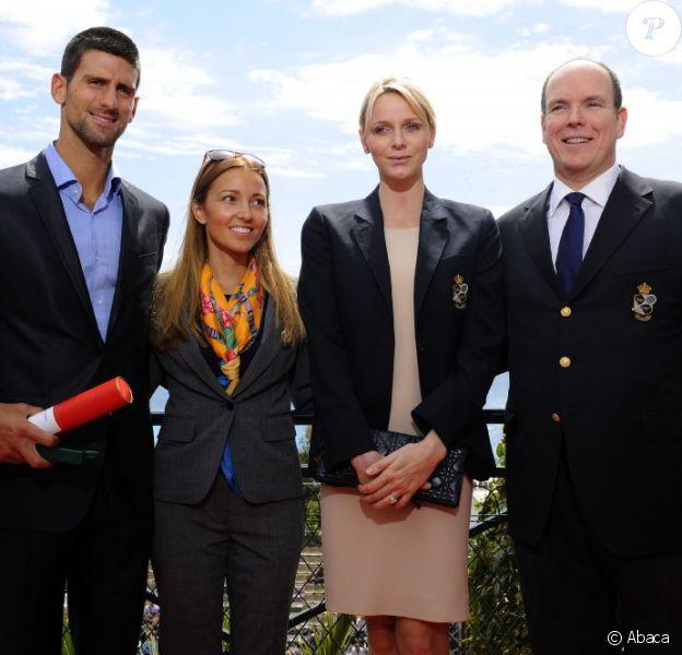 Novak Djokovic a reçu le 16 avril 2012 au Monte-Carlo Country Club, en présence de sa compagne Jelena Ristic, la Médaille en Vermeil de l'Education physique et des Sports de Monaco, remise par le prince Albert et la princesse Charlene.