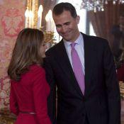 Letizia d'Espagne éblouit et Felipe porte un toast pour noyer le scandale...