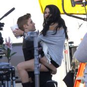 Justin Bieber : Visite surprise de Selena Gomez, groupie et girlfriend câline