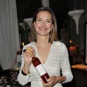 Carole Bouquet : Rayonnante, la comédienne prend de la bouteille !