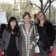 """Eva Darlan et ses filles Lou et Eugénie, le 25 avril au théâtre du Chatelet pour le Gala """"Musique conte l'oubli"""" d'Amnesty International"""