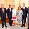 Réception pour les fiançailles, le 27 avril. Le prince Guillaume, grand-duc héritier de Luxembourg, et la comtesse Stéphanie de Lannoy célébreront leur mariage le samedi 20 octobre 2012. La date a été annoncée le 3 mai par la cour grand-ducale, une semaine après les fiançailles des jeunes gens, annoncées le 26 avril et célébrées à Colmar-Berg le 27 avril 2012.