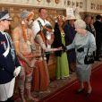 La reine Elizabeth II donnait samedi 12 mai 2012 une  tea party  à Windsor pour les protagonistes, venus du monde entier, du  Diamond Jubilee Pageant , fantastique spectacle historique équestre créé en l'honneur de son jubilé de diamant.