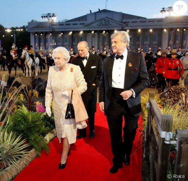 La reine Elizabeth II a fait honneur le 13 mai 2012 au Diamond Jubilee Pageant, formidable spectacle équestre donné à Windsor en l'honneur de son jubilé de diamant, joué par plus de 550 chevaux et 1100 artistes du monde entier.