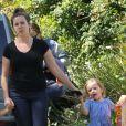 Jennifer Garner accompagne sa fille Seraphina à une fête d'anniversaire, à Los Angeles le 15 mai 2012.