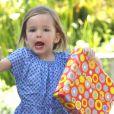 Seraphina, la fille cadette de Jennifer Garner, est très excitée de se rendre à une fête d'anniversaire, à Los Angeles le 15 mai 2012.